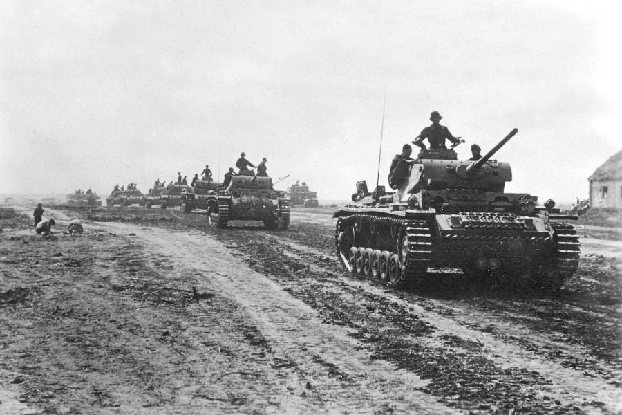 Немецкая тяжелая техника в битве на Курской дуге, 1943 год