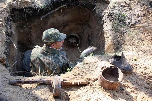 Поисковые отряды ведут раскопки