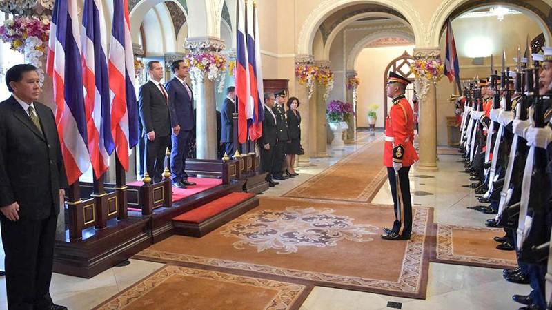 Дмитрий Медведев прибыл с официальным визитом в Таиланд