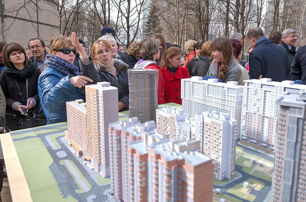 Жители осмотрели проект застройки района