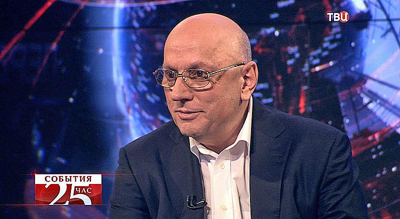 Анзор Хубутия, директор НИИ скорой помощи им. Н. В. Склифасовского, член-корреспондент РАМН