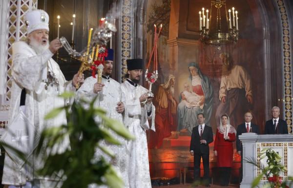 Праздничное пасхальное богослужение в храме Христа Спасителя
