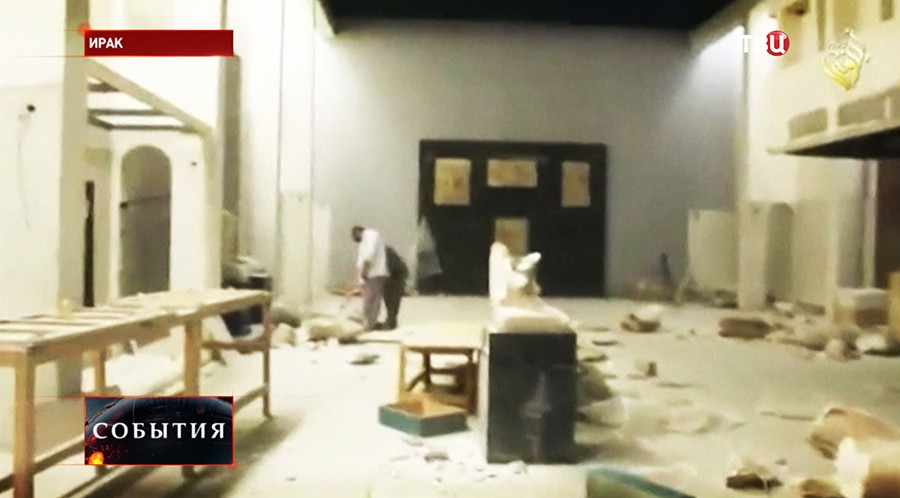 Боевики разрушают здания в древнем городе Нимруд на территории Ирака