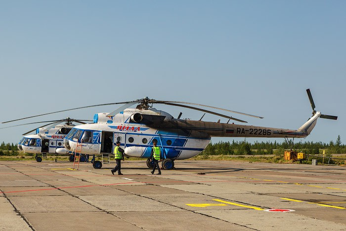 "Вертолет Ми-8 авиакомпании ""Ямал"""