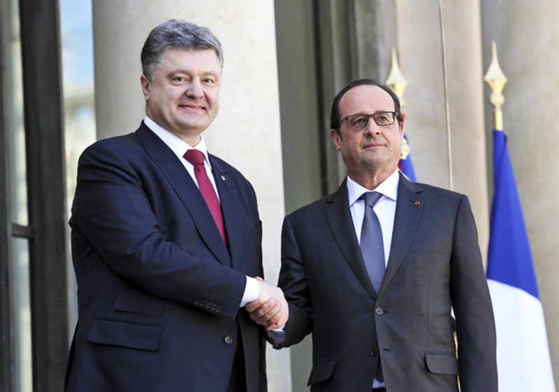 relations between france and russia an Russia is colder, larger and they speak russianfrance speaks french.