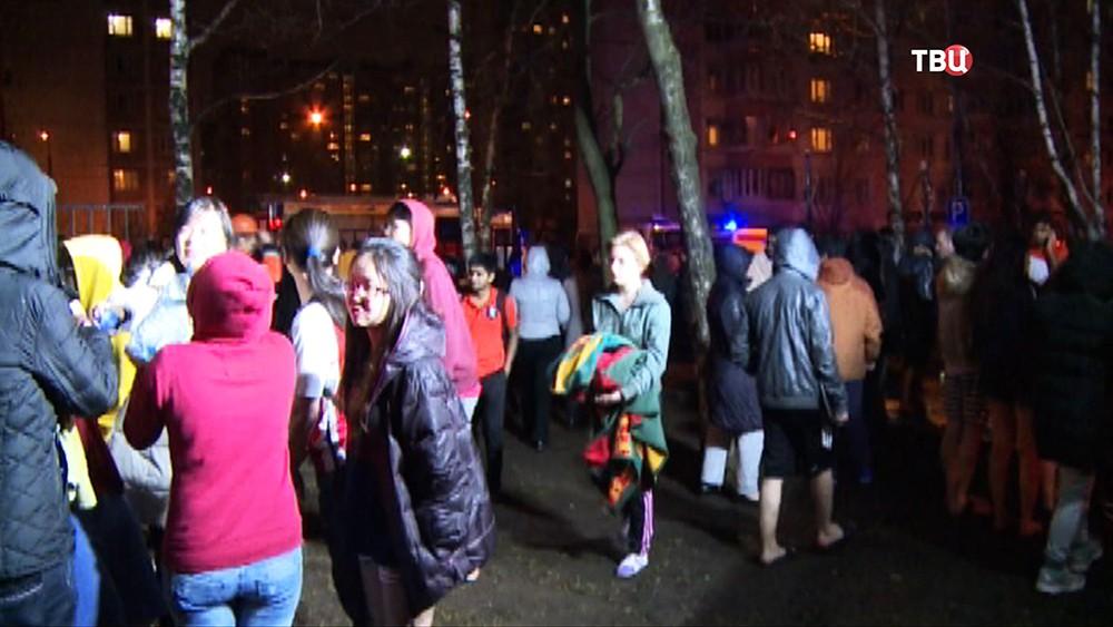Эвакуация студентов медуниверситета им. Пирогова из общежития