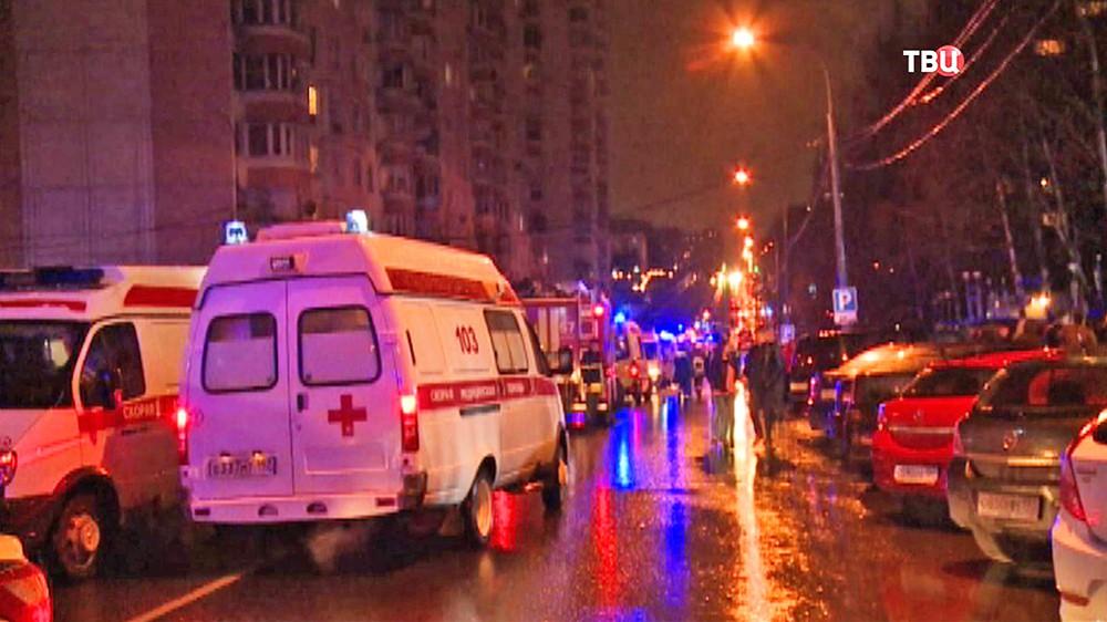 Машины скорой помощи прибыли на место происшествия