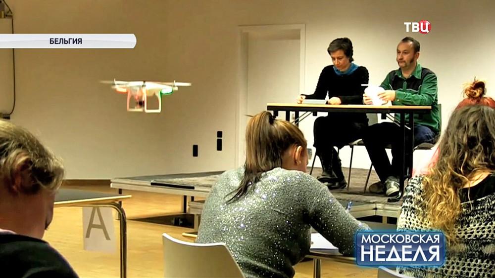 Преподаватели с помощью коптера следят за студентами