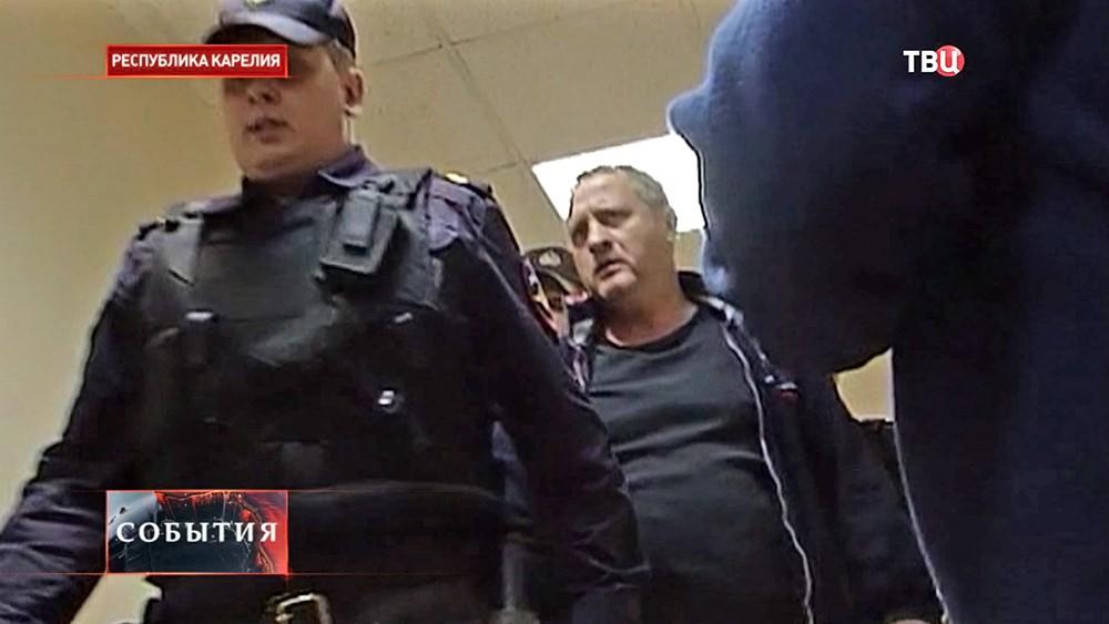 Депутат Заксобрания Карелии Иван Романов в суде