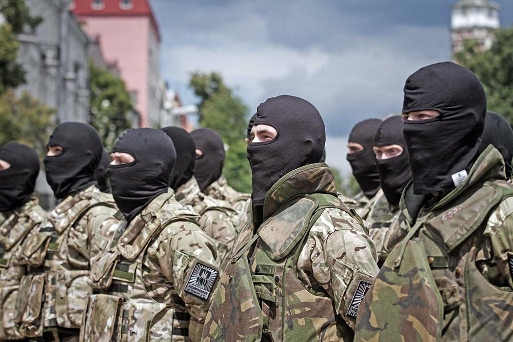 """Бойцы украинского батальона """"Азов"""""""