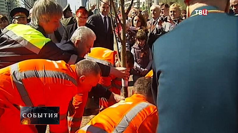 Мэр Москвы Сергей Собянин принимает участие в торжественной церемонии закладки первого камня нового городского парка