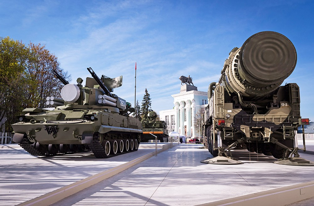 Экспозиция военной техники на ВДНХ