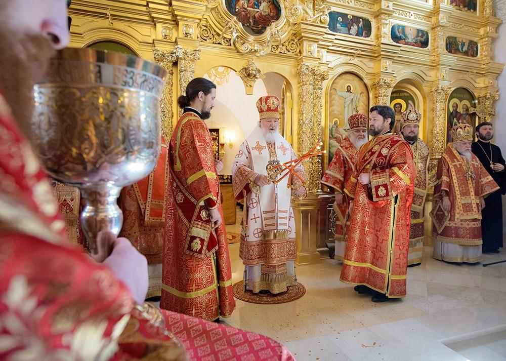 Патриарх Московский и всея Руси Кирилл освятил храм Преображения Господня