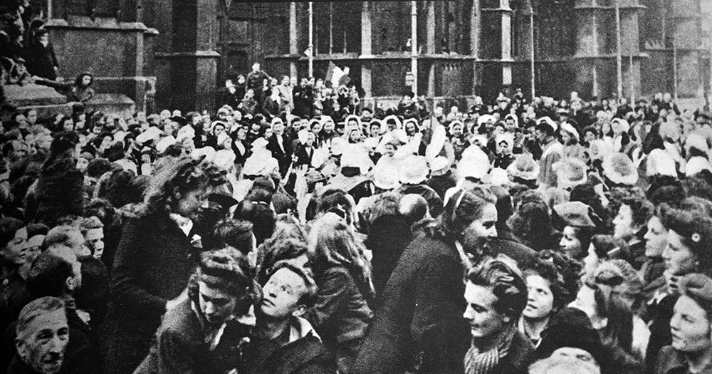 Празднование освобождения Франции от немецко-фашистских войск