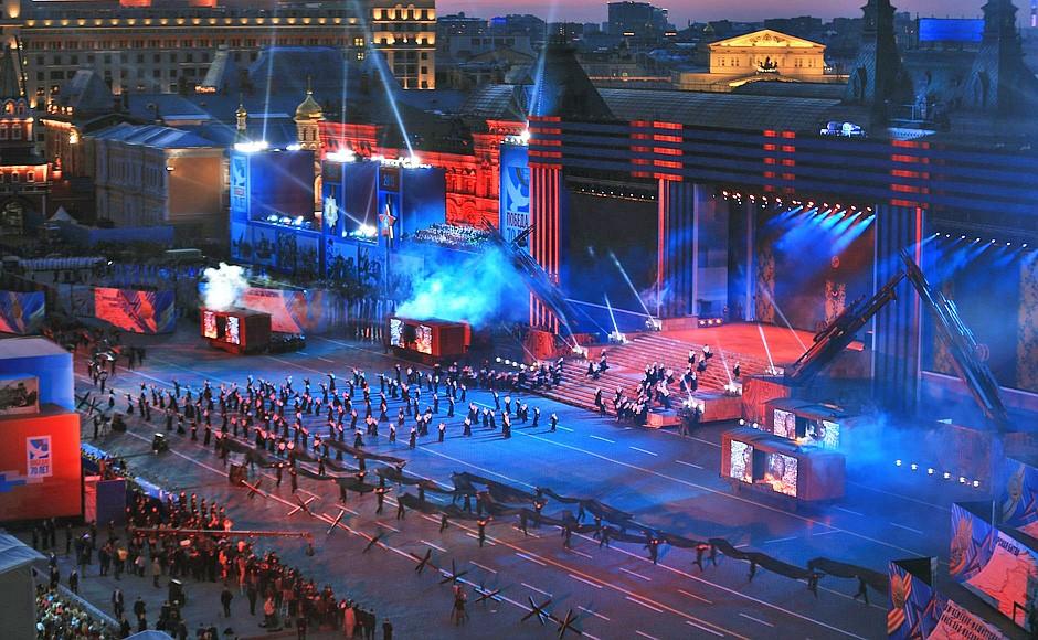 тут перед афиша дня победы москва красная площадь 2017 правила