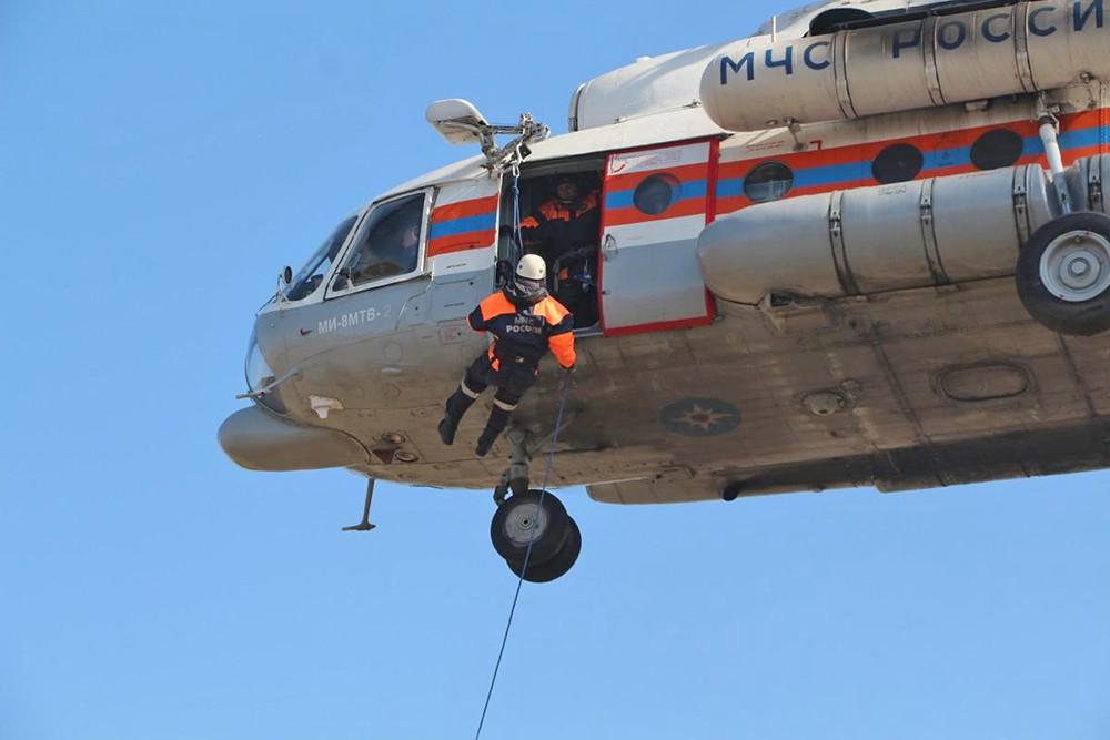 Власти подтвердили смерть двух человек при трагедии вертолета вЛенобласти