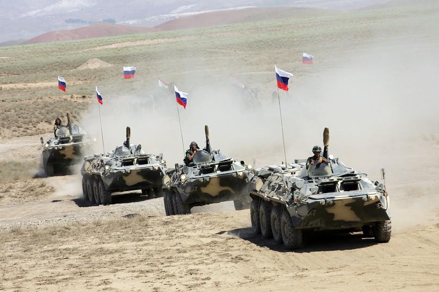 Военная техника российской армии во время учений