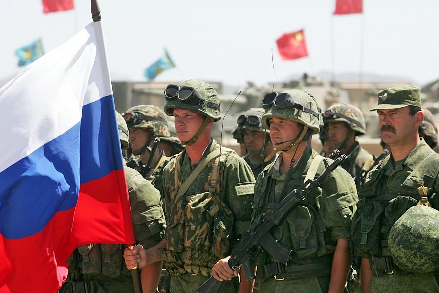Военнослужащие российской армии во время учений