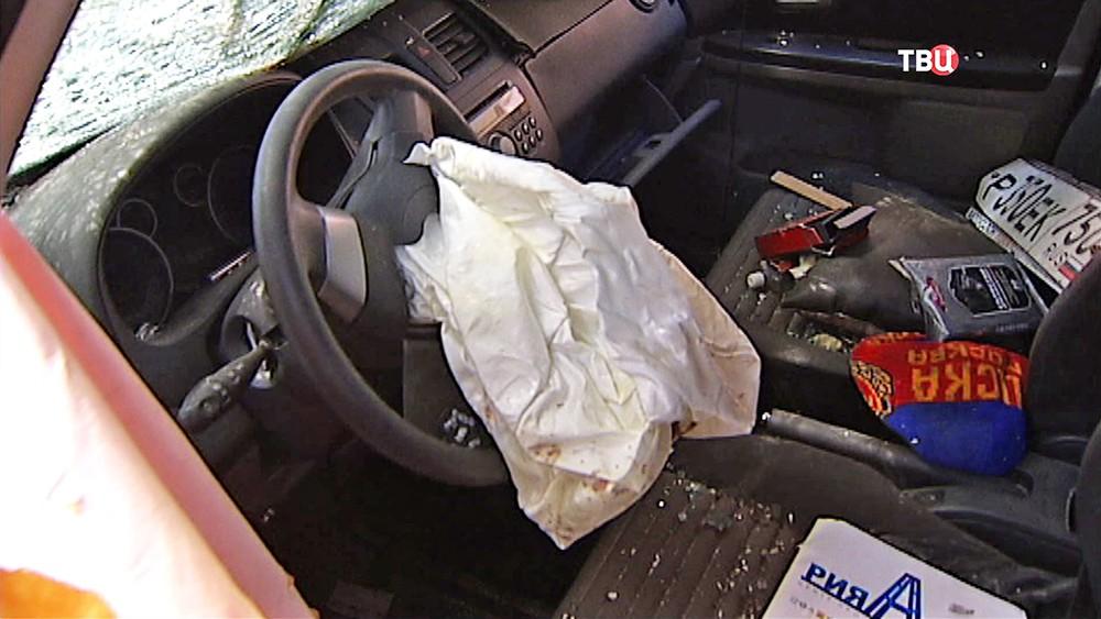 Подушка безопасности в автомобиле