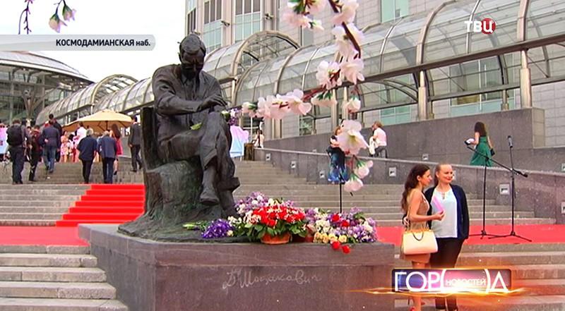 Памятник Дмитрию Шостаковичу