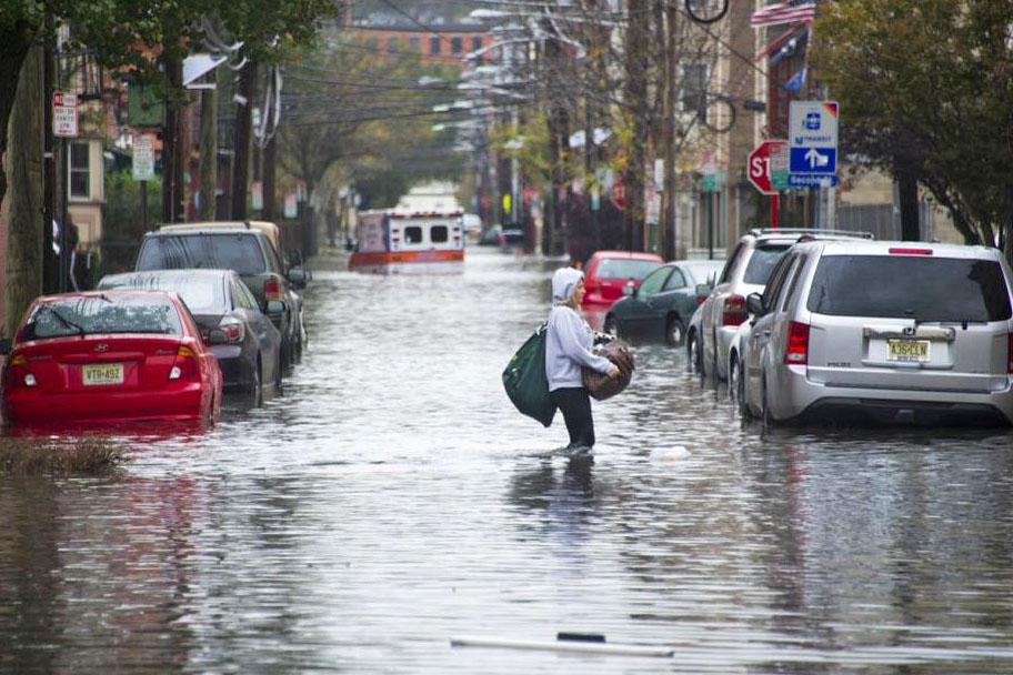 Последствия мощного наводнения в США