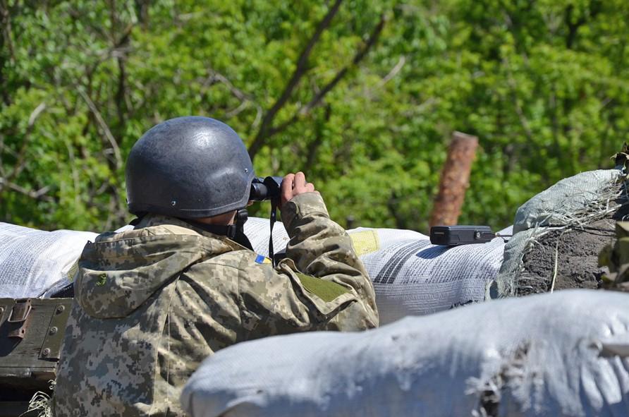 Украинские военные на блокпосту в Донбассе