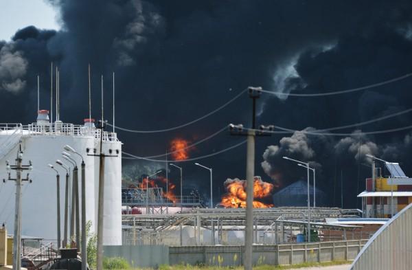 Пожар на территории нефтебазы