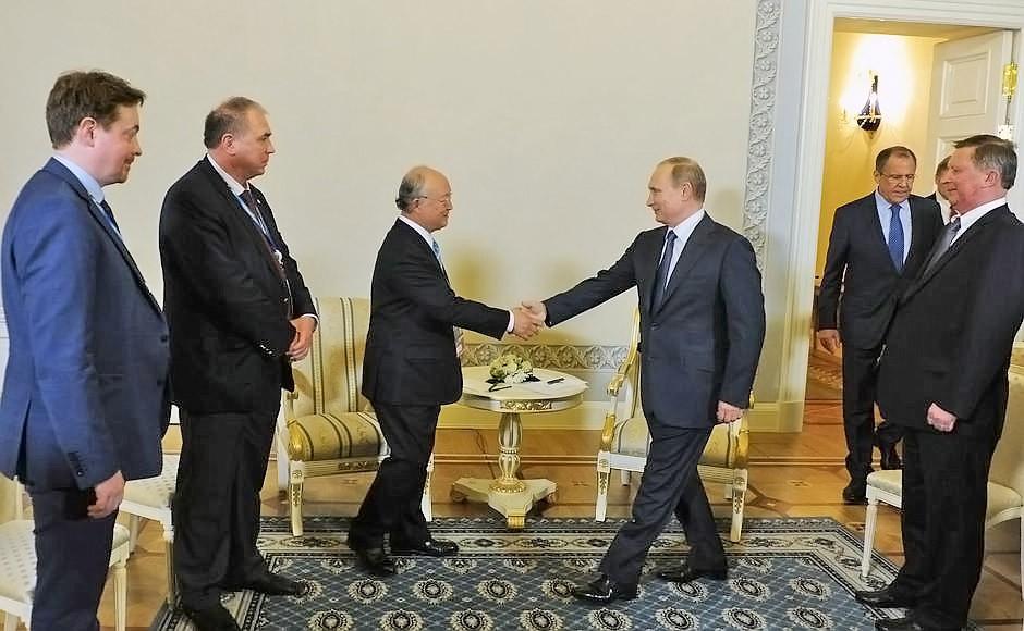 Президент России Владимир Путин и генеральный директор МАГАТЭ Юкия Амано
