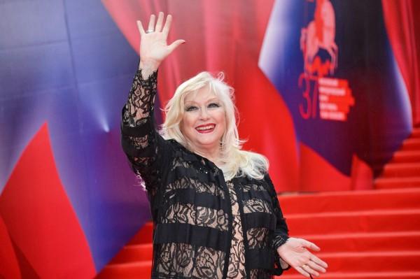 Актриса Ирина Мирошниченко на церемонии открытия 37-го Московского международного кинофестиваля