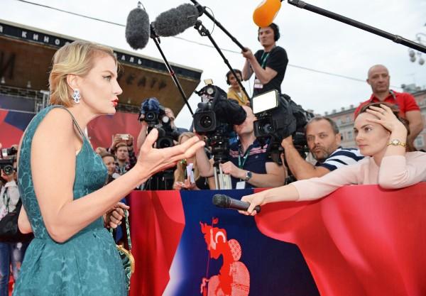 Актриса, режиссер и писатель Рената Литвинова на церемонии открытия 37-го Московского международного кинофестиваля
