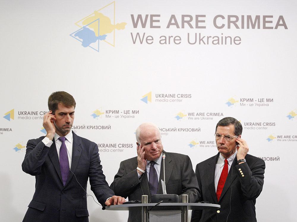 Сенатор США Джон Маккейн с визитом на Украине