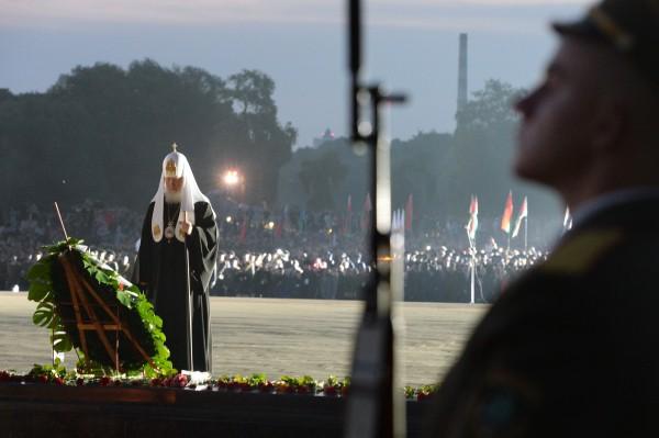 Патриарх Кирилл провел богослужение в Брестской крепости