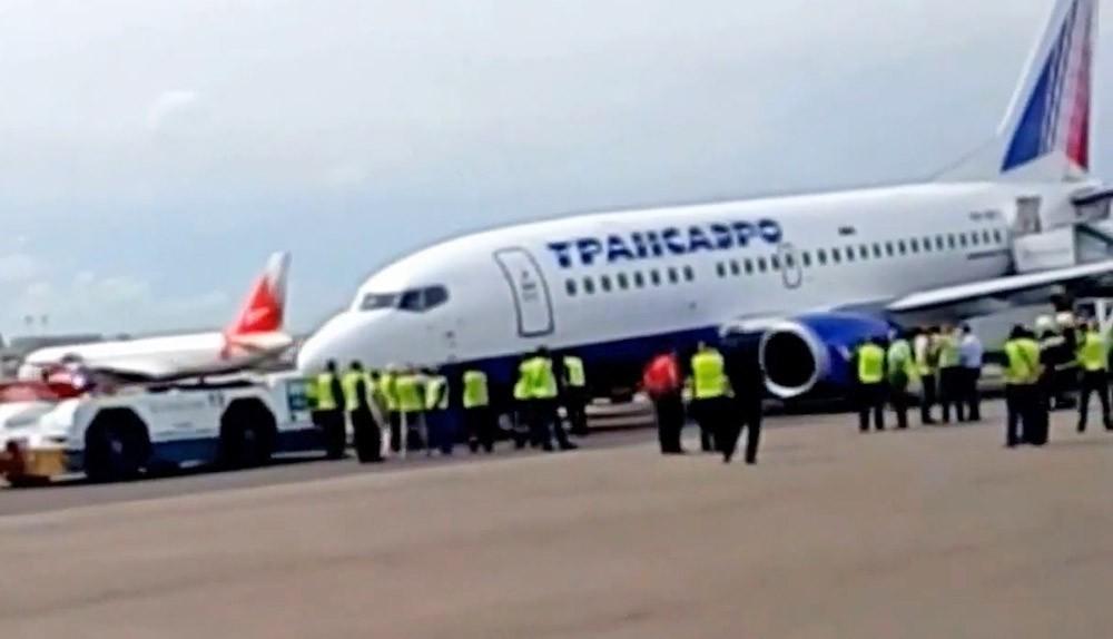 """Поломка у самолета Boeing авиакомпании """"Трансаэро"""""""