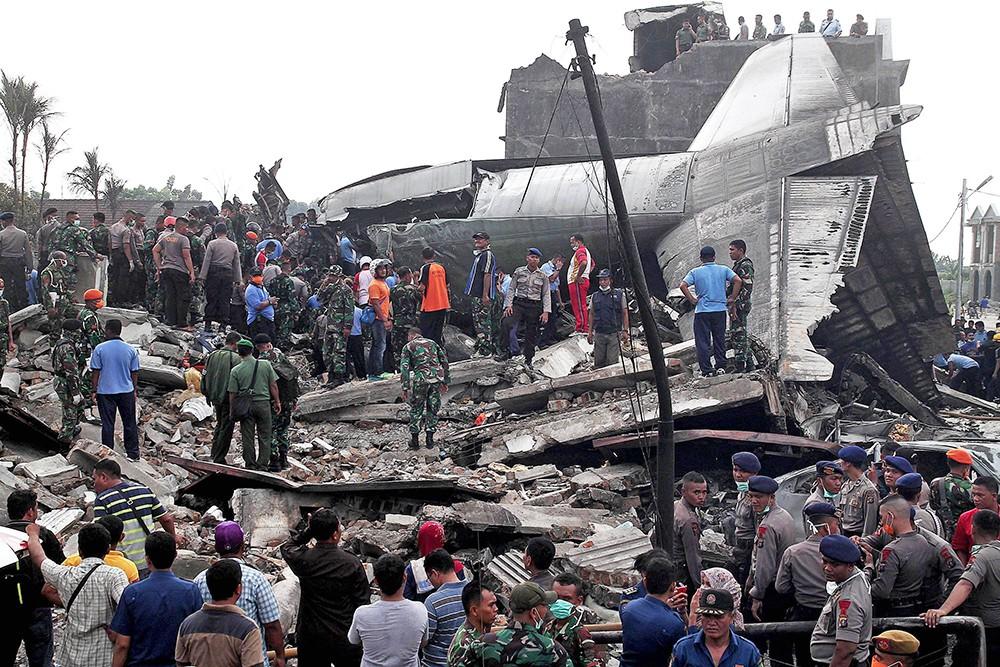 Место крушения самолета в Индонезии