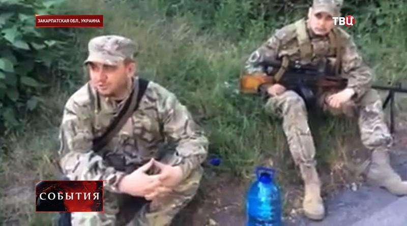 """Бойцы """"Правого сектора"""" в Мукачеве"""