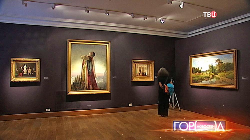 Выставка картин в музее