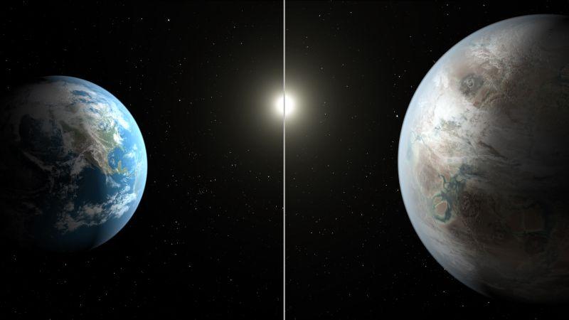 Планета Земля и планета Kepler 452b в представлении художника