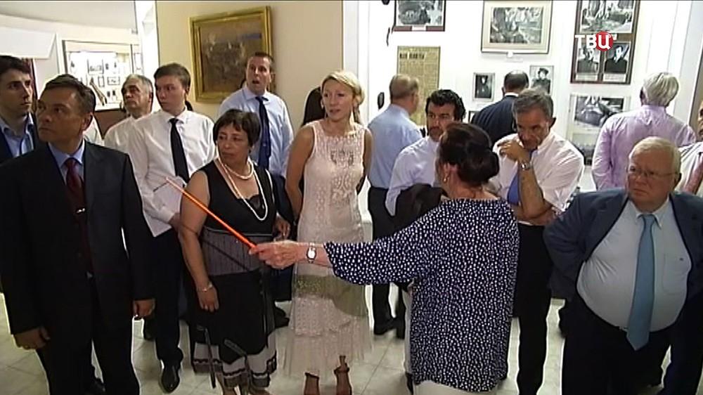 Французская делегация посетила исторический музей в Крыму