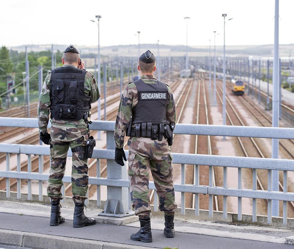 Полиция Франции пресекла попытку проникновения 200 мигрантов в Евротоннель