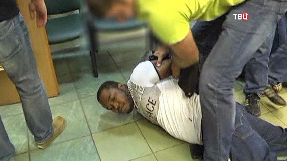Задержание африканских мошенников