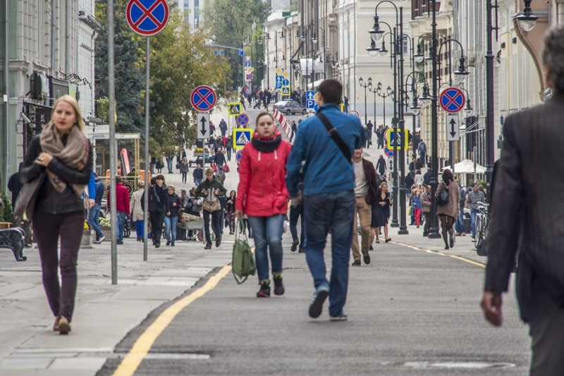 Пешеходы на улицах Москвы