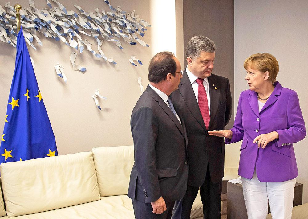 Франсуа Олланд, Пётр Порошенко и Ангела Меркель