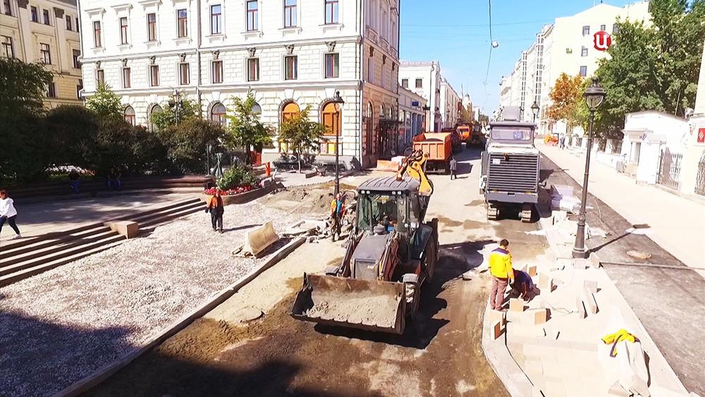 Работы по благоустройству улицы Большая Никитская