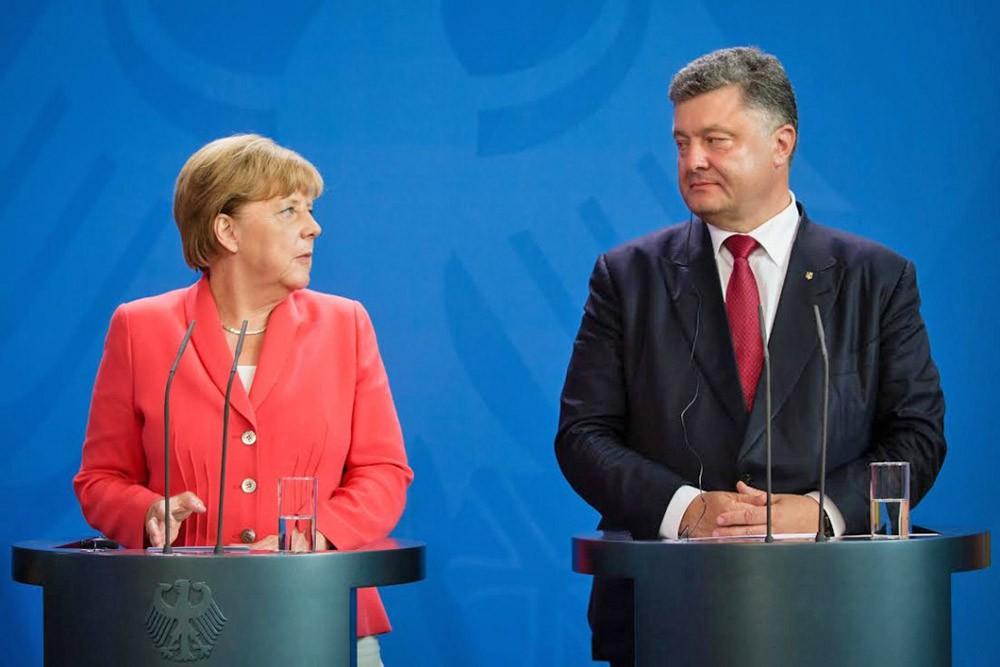 Канцлер Германии Ангела Меркель и президент Украины Пётр Порошенко