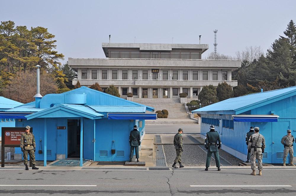 КПП на границе Северной и Южной Кореии