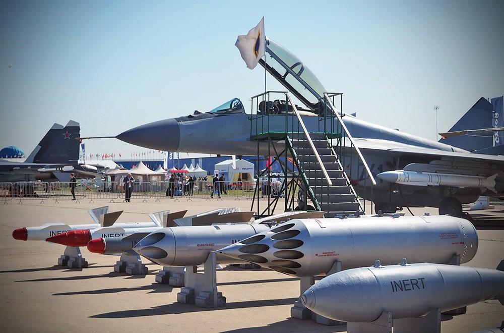 """США ввели санкции против """"МиГ"""" и еще четырех оборонных компаний"""