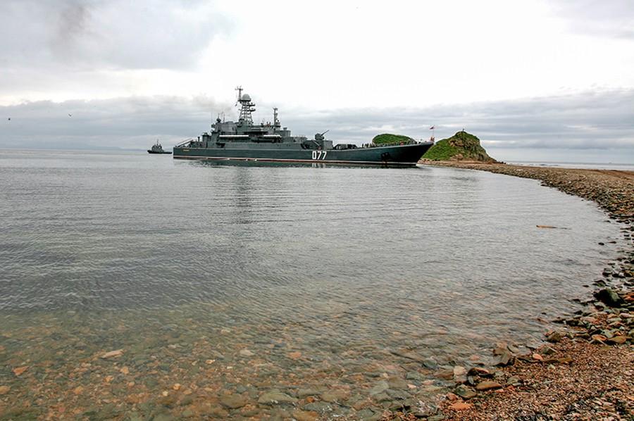 Десантный корабль ВМФ