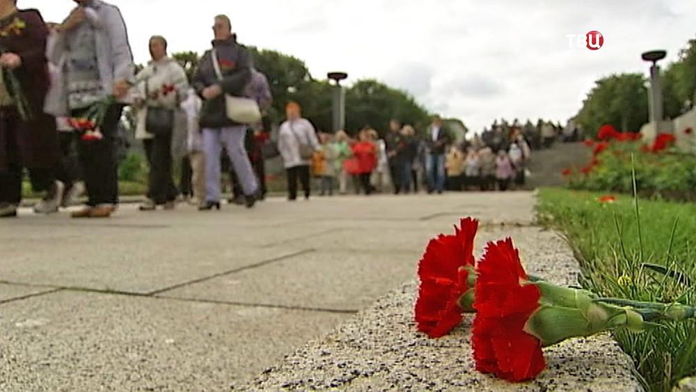 Траурные мероприятия на Пискарёвском кладбище в Санкт-Петербурге