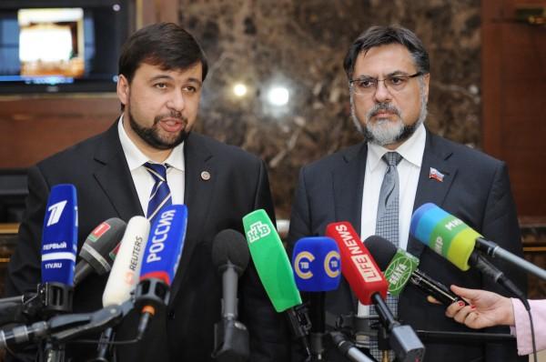 Заместитель председателя Народного Совета ДНР Денис Пушилин и представитель ЛНР Владислав Дейнего