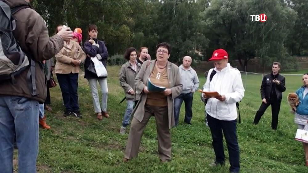 Собрание жителей района в парке Дружбы